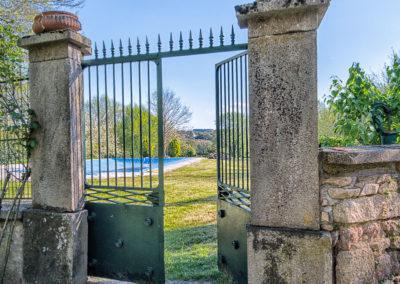 Manoir La Ceiba - Le portail de la piscine